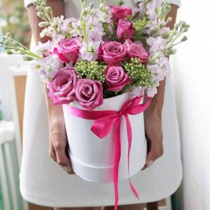 Сборные цветы в коробке R232